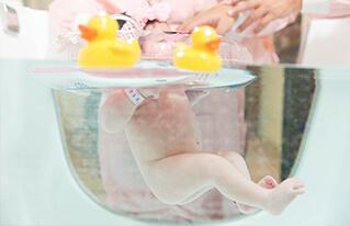 插圖 - 嬰兒專屬泳池